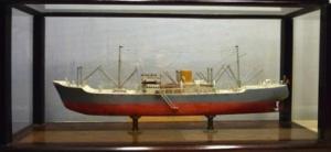 Tweede maquette motor cargoschip van Adolf Sijs