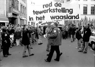 Syndicale actie in de Oeverstraat tijdens het eerste faillisement in 1992